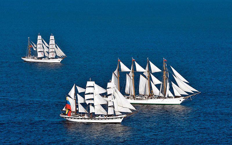 """En abril, los grandes buques de """"Velas Latinoamérica"""" hacen escala en Punta del Este."""