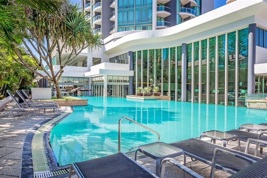 Mantra-Legends-Hotel-Pool4.t74585